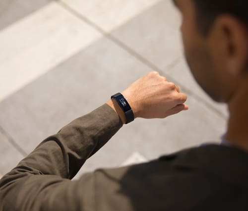 Smart Watch รุ่น Inspire HR จากค่าย Fitbit