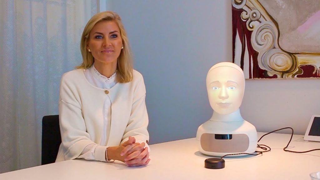 เทคโนโลยี  Furhat Social Robot หุ่นยนต์