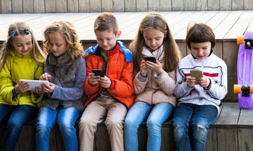 CCE ได้ออกคำเตือน ถึงการส่งข้อความที่มีการเข้ารหัสอาจจะทำให้เด็กมีความเสี่ยงที่จะได้รับอันตรายได้