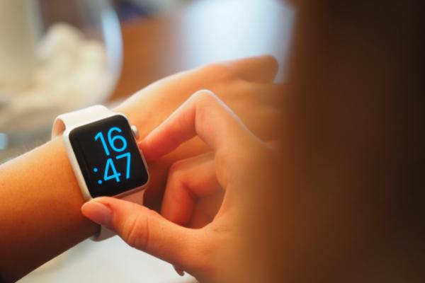 คนรักสุขภาพไม่ควรพลาด Apple Watch 7