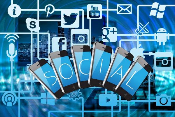 สื่อสังคมออนไลน์ ควบคุมเนื้อหาของโซเชียลมีเดีย